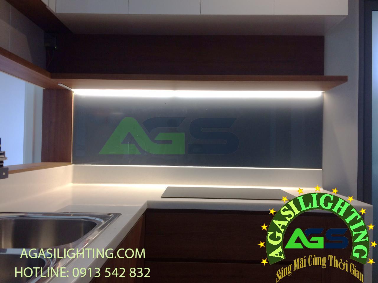 ứng dụng đèn led 3014 vào trang trí và chiếu sáng bàn bếp