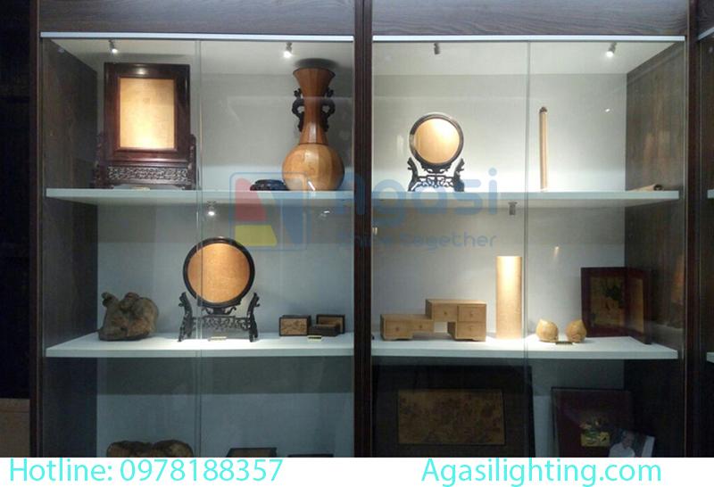 Đèn sportlight mini dùng để trang trí và chiếu sáng showroom, chiếu sáng các hệ tủ